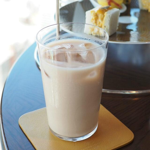 ブルーベリーロイヤルミルクティーはアイスでも美味しかったです!