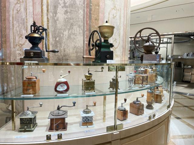 デミタスカップの他にコーヒーミルのコレクションも展示されていました。