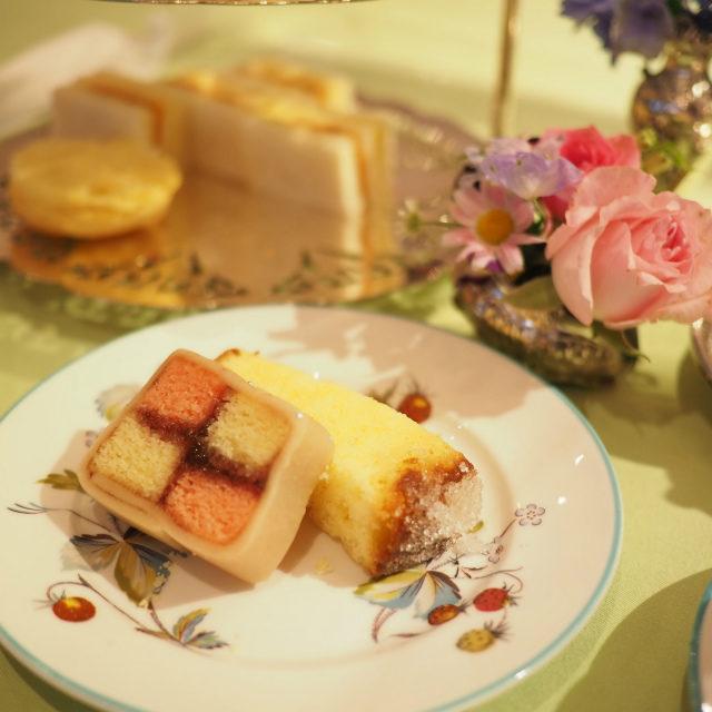 バッテンバーグケーキはピンクと黄色が定番色です。