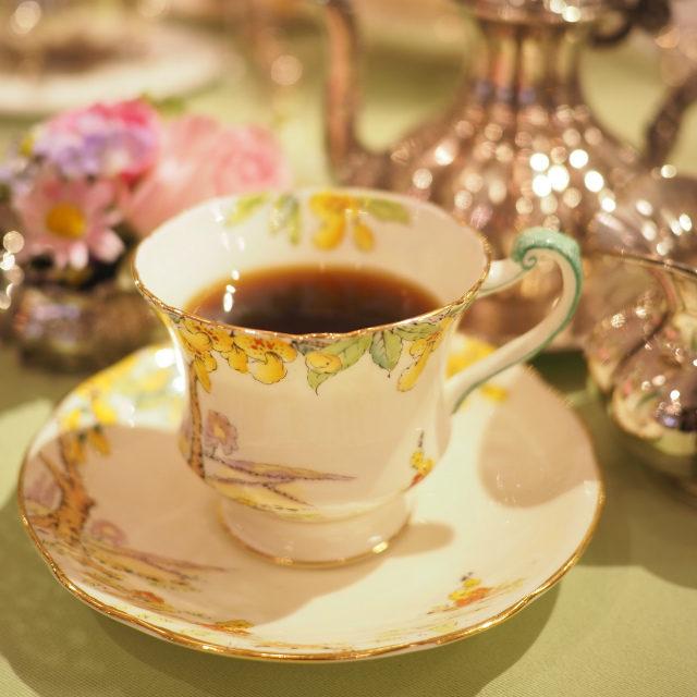 コーヒー(GEISHA)フローラルで香り高く、コーヒーが苦手でも美味しく飲めちゃう最高品質のコーヒーです。