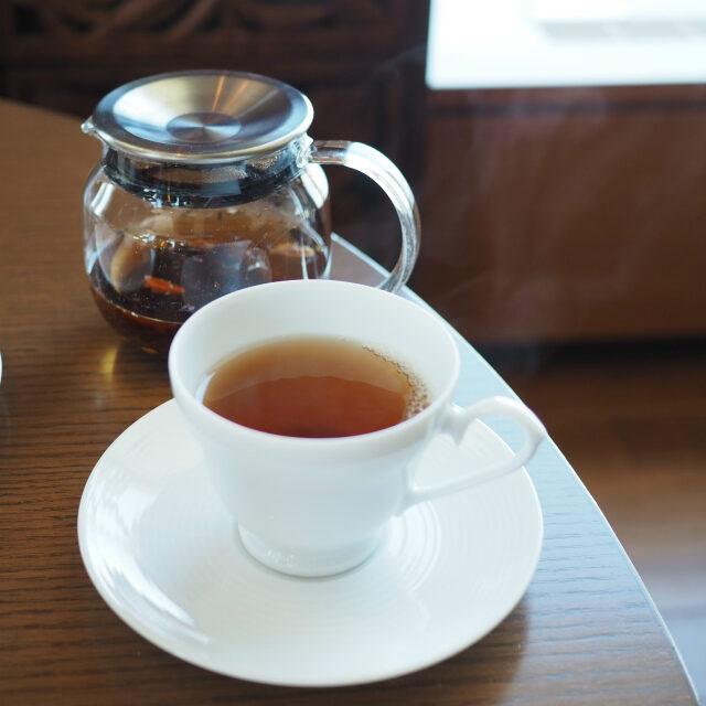 オーガニック・ダージリン湯気が写真に写るくらいアツアツの紅茶でした!