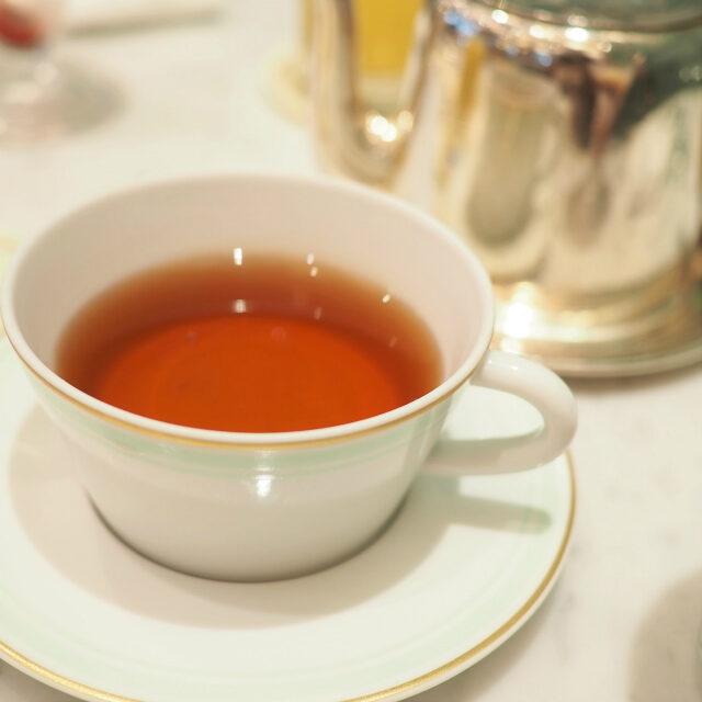テ ア ラ ローズ中国とセイロンの紅茶にバラの花びらとエッセンスをブレンドしたフレーバーティー