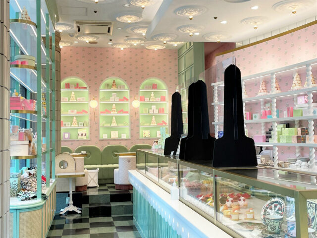ラデュレ渋谷松濤店はポップでガーリーなイメージのインテリア