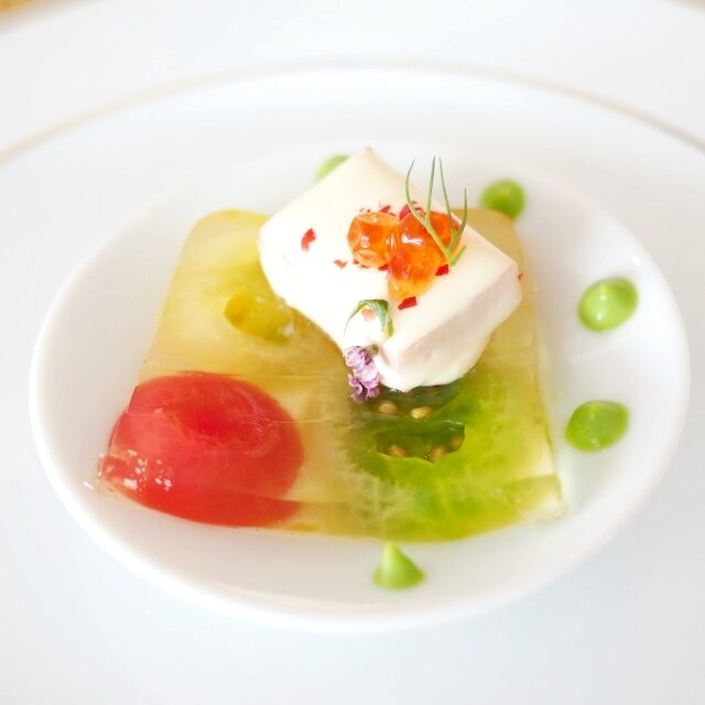 カラフルトマトのテリーヌ サーモンのショーフロワ