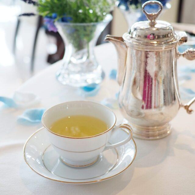 ウメ・ヴェール緑茶に梅の果肉を加えたフレーバーティー