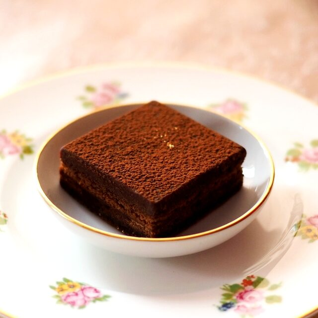 オペラ・ガトーショコラ濃厚でずっしりとしたチョコレートケーキ♪