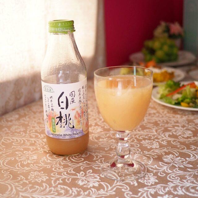 こちらは桃のジュースを炭酸水で割ったもの。桃好きの私のためにお友達が用意してくれました!