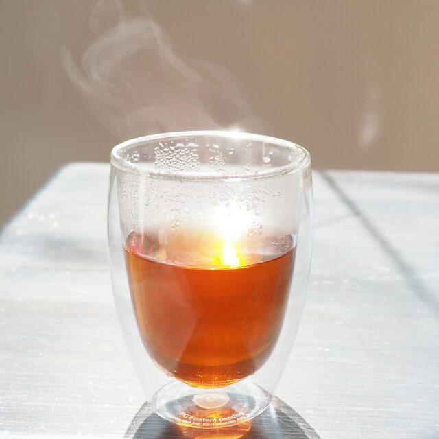ローズレッドペタルバラの花びら入りの紅茶、ほんのりとした酸味と甘さがあって、とっても華やかな香りのお茶でした!