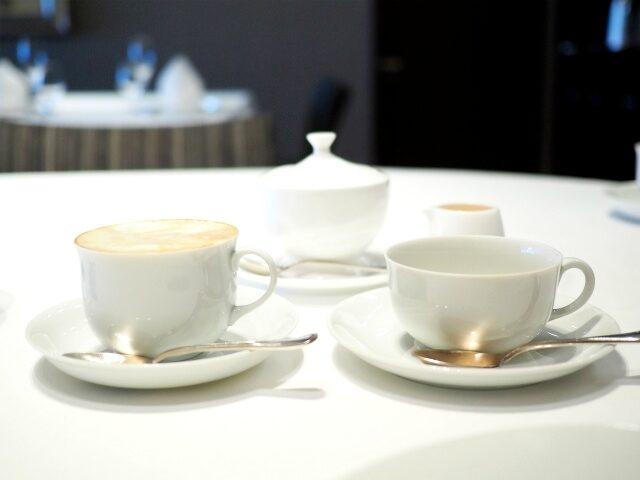 コーヒーカップももちろんアウガルテンです。