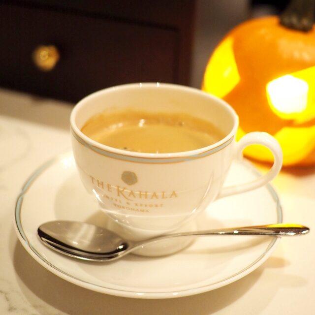 ザ・カハラ オリジナルブレンドコーヒーコーヒーはちゃんとコーヒーカップに入ってました!あたりまえだけど(笑)