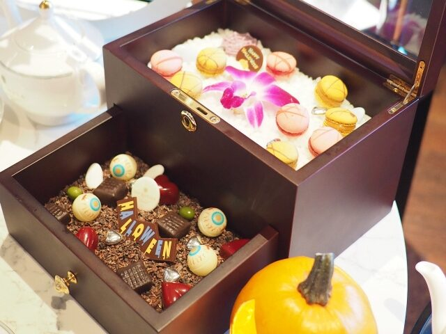 kahala halloween afternoontea jewelbox01