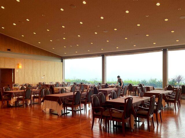 鎌倉プリンスホテル「レストラン ル・トリアノン」の内装