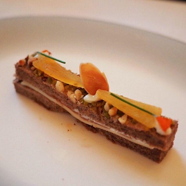 イタリア産生ハム&ゴーダチーズ 黒胡椒香る柿のジャム ローストナッツ ショコラブレッド