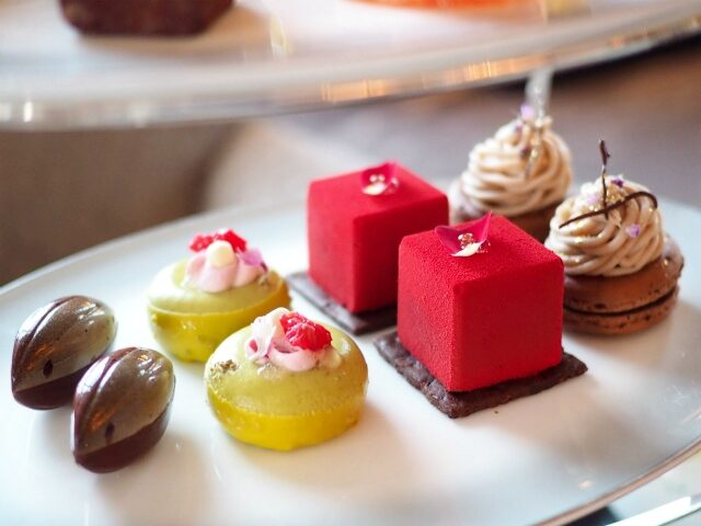 ritz2021choco afternoontea sweets01