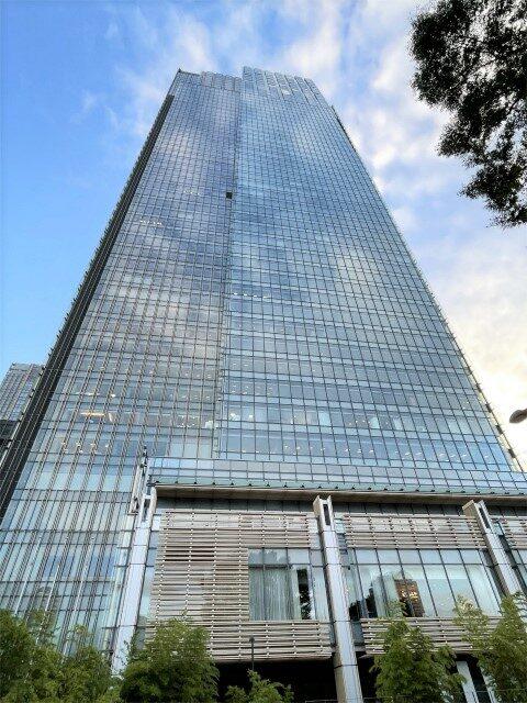 ザ・リッツカールトン東京が入っている「ミッドタウン・タワー」の外観。 ザ・リッツカールトン東京は1、2階と45階~53階に位置しています。