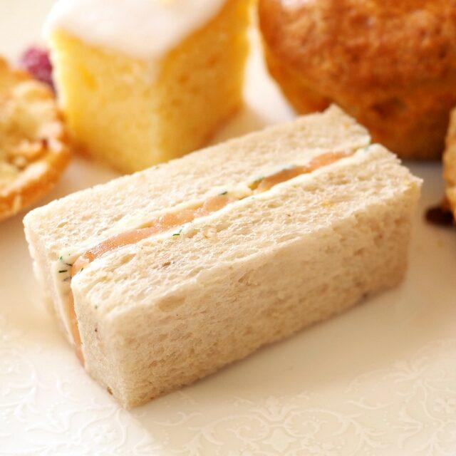 スモークサーモン&クリームチーズサンドウィッチ