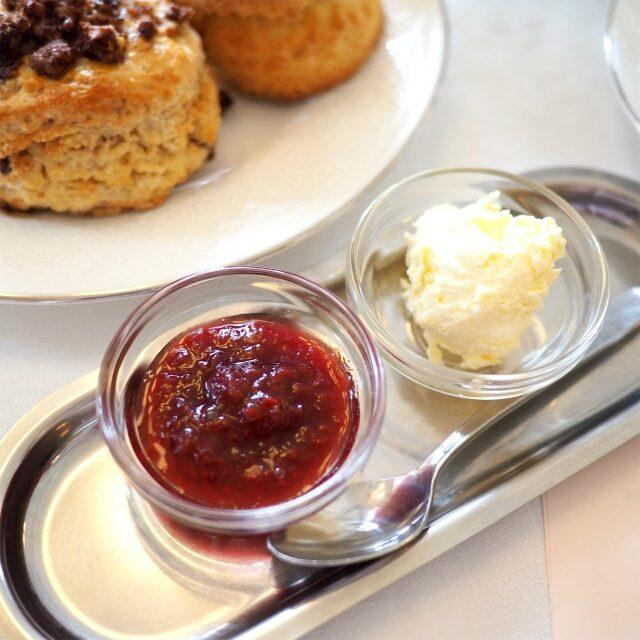 ミセスベリー作ルバーブ&ラズベリージャム と英国産ランゲージファームのクロテッドクリーム