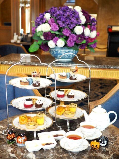 ホテルニューグランド「ラ・テラス」ハロウィンアフタヌーンティーセット2人分のティーセット