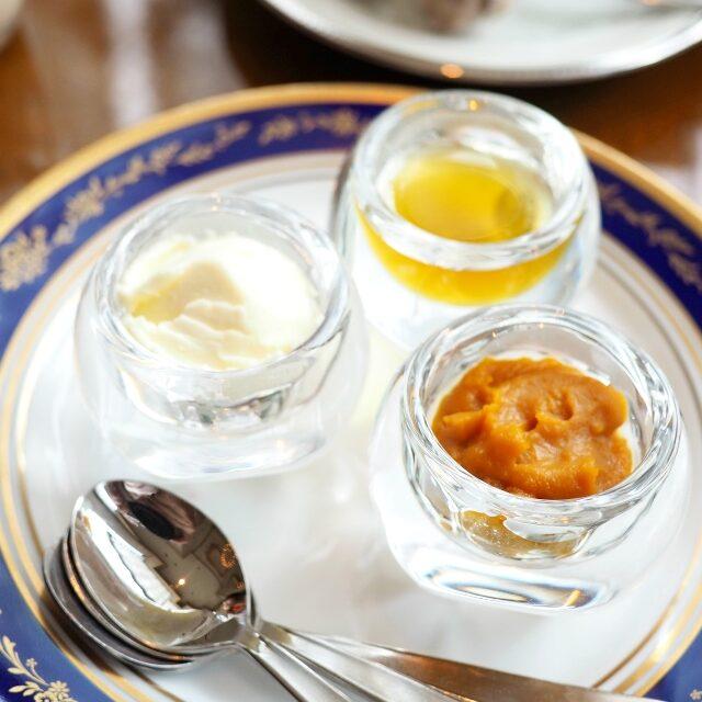 パンプキンディップ、クロテッドクリーム、蜂蜜