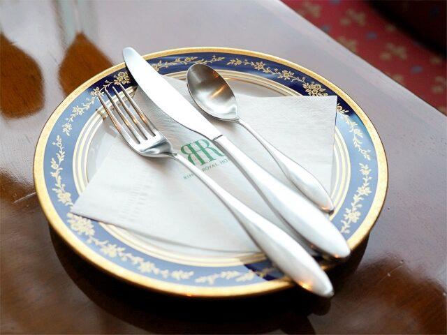 お取り皿もnotitakeで、こちらはリーガロイヤルホテル東京のオリジナル