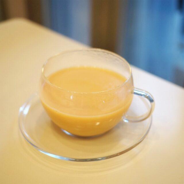 ストレートでも美味しいアッサムだったけど、スイーツに合わせたいから、ミルクティーにもしてみました。とっても美味しい!
