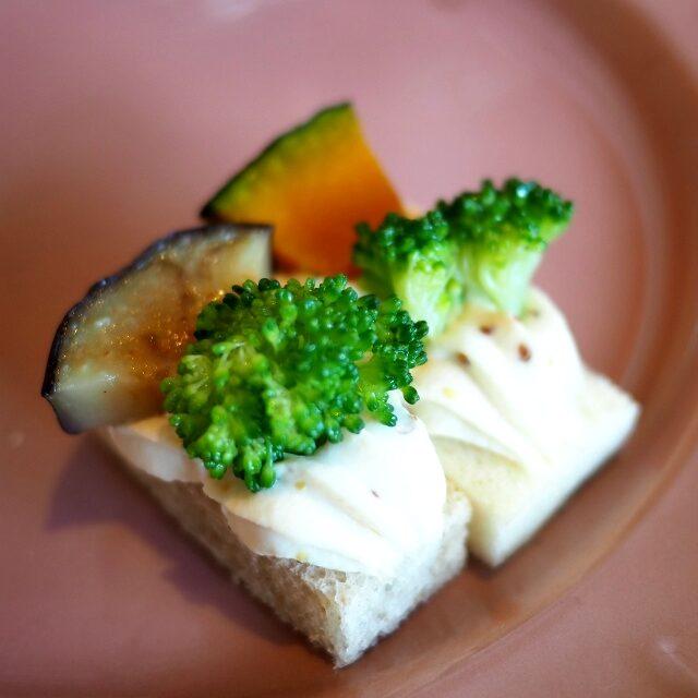 秋野菜2種のタルティーヌ茄子とカボチャです。