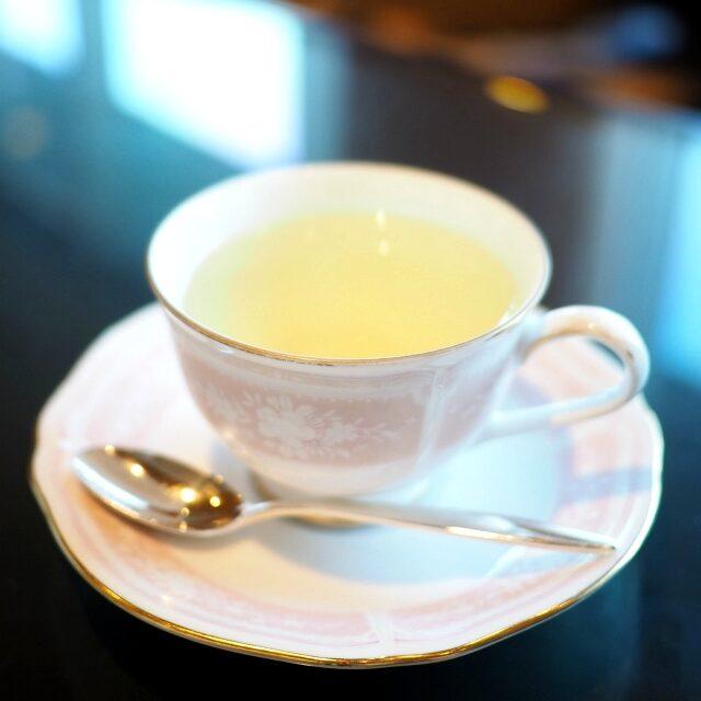 レモングラスさっぱりしたハーブティーはお口直しにぴったり